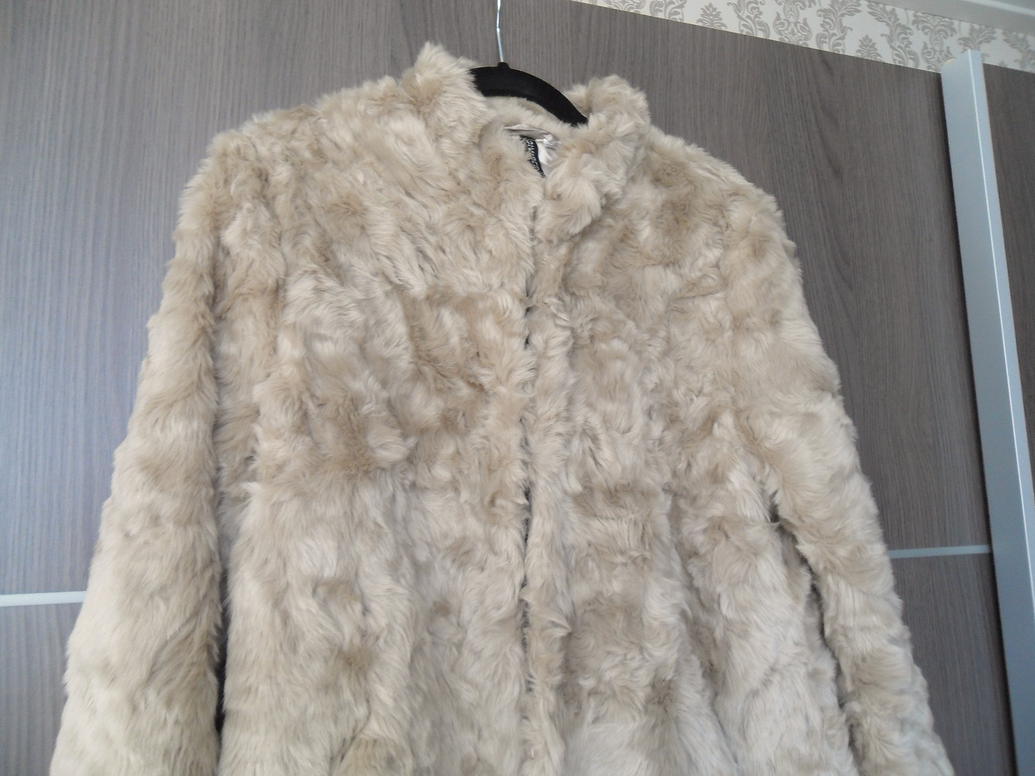 fake fur jacket H&M