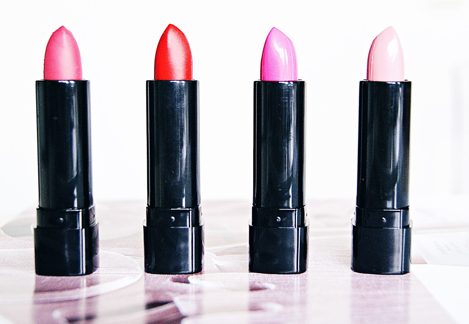 Max&More | Long lasting & Matt Lipsticks